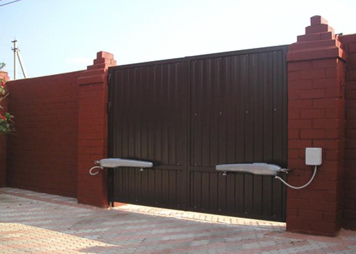 Ворота распашные - фото
